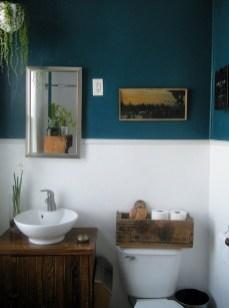 Inspiring Rustic Small Bathroom Wood Decor Design 03