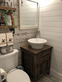 Inspiring Rustic Small Bathroom Wood Decor Design 19