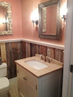 Inspiring Rustic Small Bathroom Wood Decor Design 27