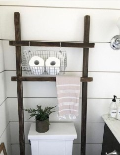 Inspiring Rustic Small Bathroom Wood Decor Design 30