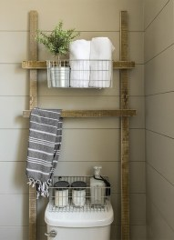 Inspiring Rustic Small Bathroom Wood Decor Design 40