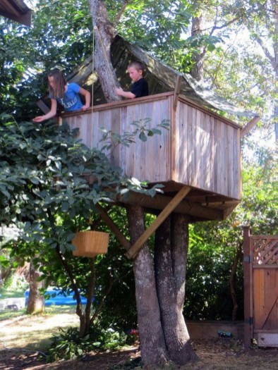 Inspiring Simple Diy Treehouse Kids Play Ideas 14