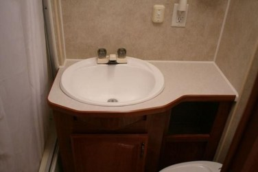 Amazing Small Rv Bathroom Toilet Remodel Ideas 17
