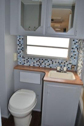 Amazing Small Rv Bathroom Toilet Remodel Ideas 22