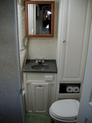 Amazing Small Rv Bathroom Toilet Remodel Ideas 29