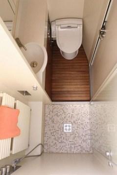 Amazing Small Rv Bathroom Toilet Remodel Ideas 33