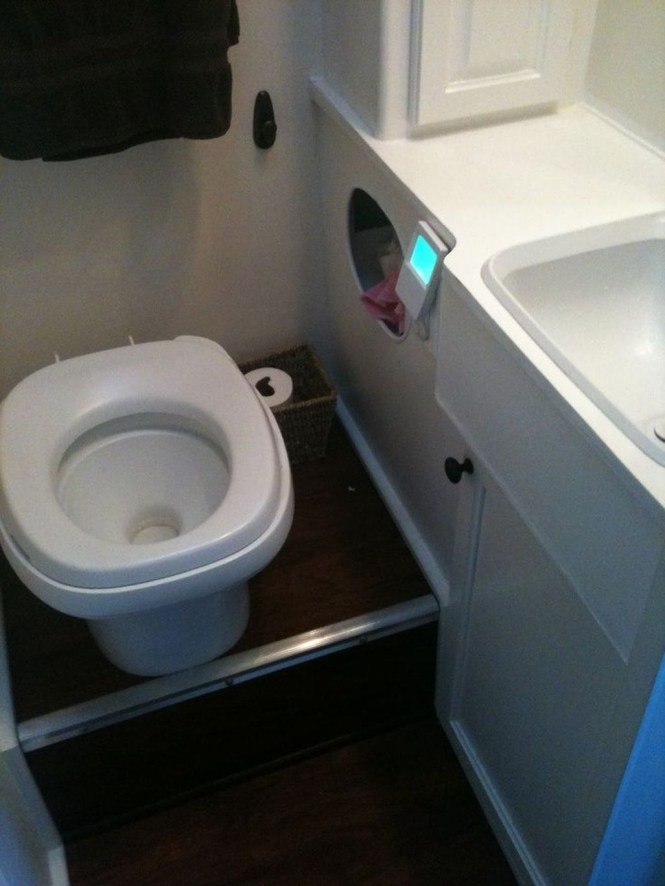Amazing Small Rv Bathroom Toilet Remodel Ideas 36