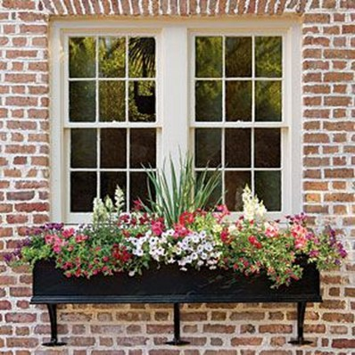 Amazing Windows Flower Boxes Design Ideas Must See07