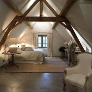 Awesome Traditional Attic You Can Try20