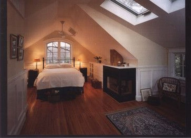 Awesome Traditional Attic You Can Try35