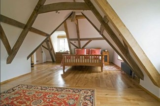 Awesome Traditional Attic You Can Try40