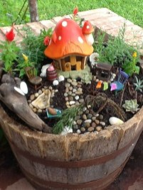 Stunning Fairy Garden Miniatures Project Ideas11
