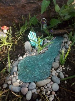 Stunning Fairy Garden Miniatures Project Ideas38