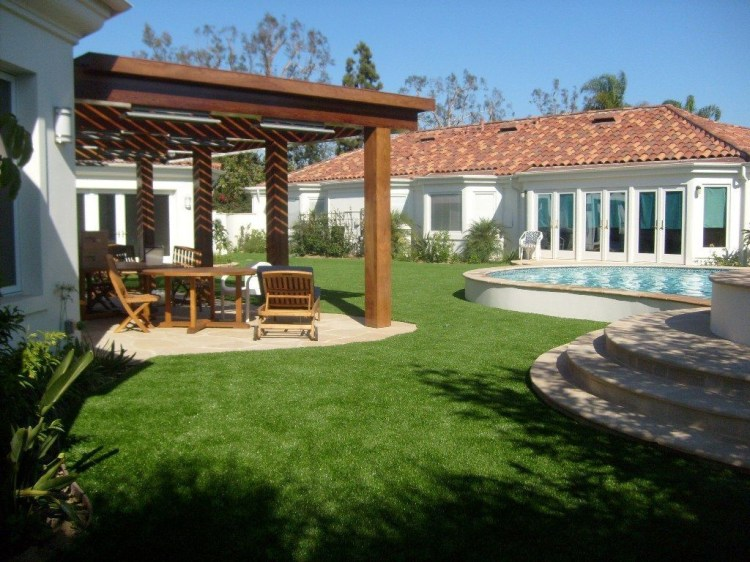 Amazing Grass Landscaping For Home Yard34