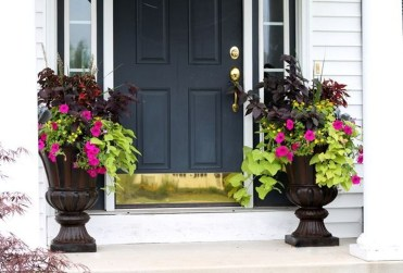 Awesome Front Door Planter Ideas11