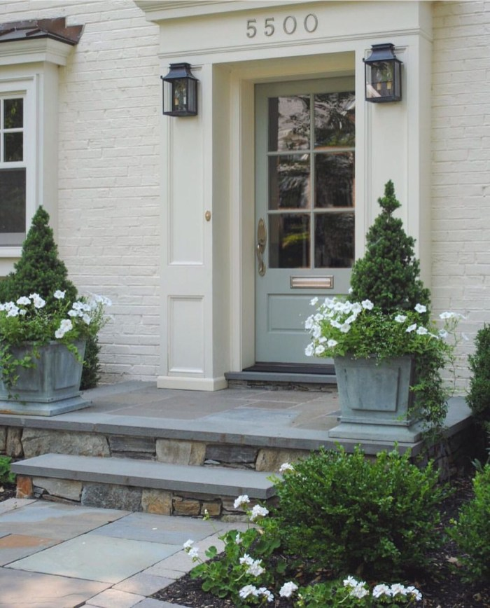 Awesome Front Door Planter Ideas14