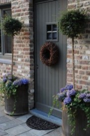 Awesome Front Door Planter Ideas29
