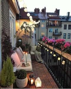 Awesome Small Balcony Garden Ideas04