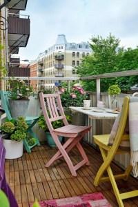 Awesome Small Balcony Garden Ideas10