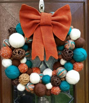 Awesome Teal Color Scheme For Fall Decor Ideas17