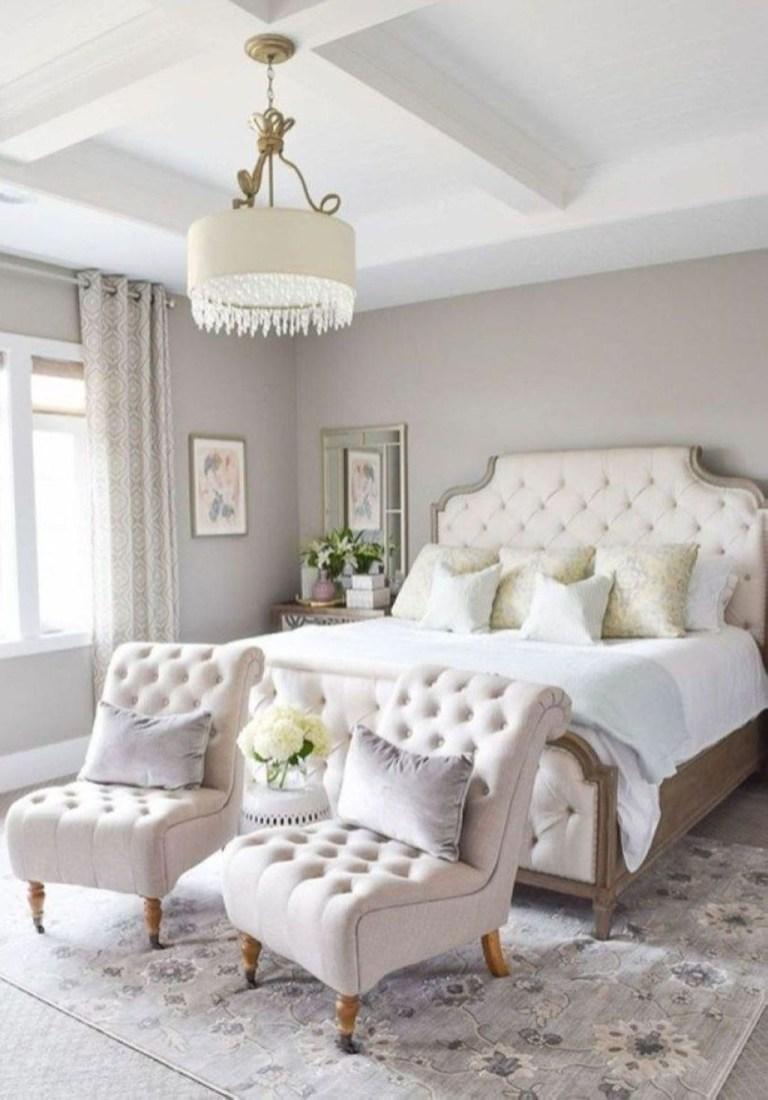Elegant White Themed Bedroom Ideas04
