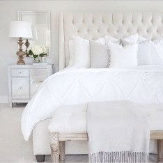 Elegant White Themed Bedroom Ideas06