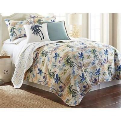 Elegant White Themed Bedroom Ideas10