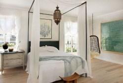 Elegant White Themed Bedroom Ideas17