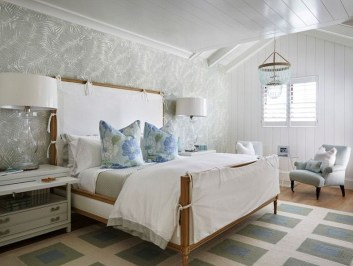 Elegant White Themed Bedroom Ideas33