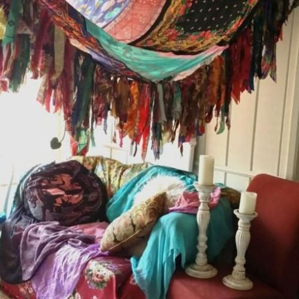 Inspiring Vintage Bohemian Bedroom Decorations20