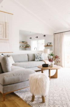 Wonderful Scandinavian Livingroom Decorations Ideas06