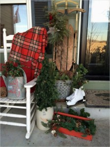 Amazing Farmhouse Winter Decoration Ideas04