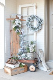 Amazing Farmhouse Winter Decoration Ideas21
