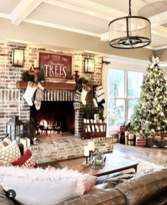 Amazing Farmhouse Winter Decoration Ideas30