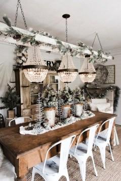 Amazing Farmhouse Winter Decoration Ideas35