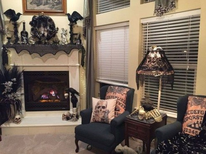 Attractive Diy Halloween Living Room Decoration Ideas18