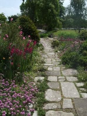 Awesome Diy Garden Path Inspiration Ideas32