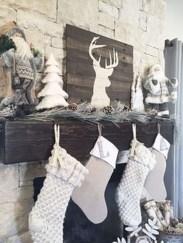 Fantastic Winter Mantle Decoration Ideas32