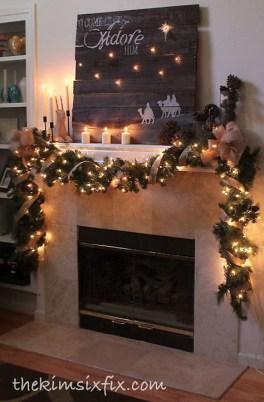 Fantastic Winter Mantle Decoration Ideas35