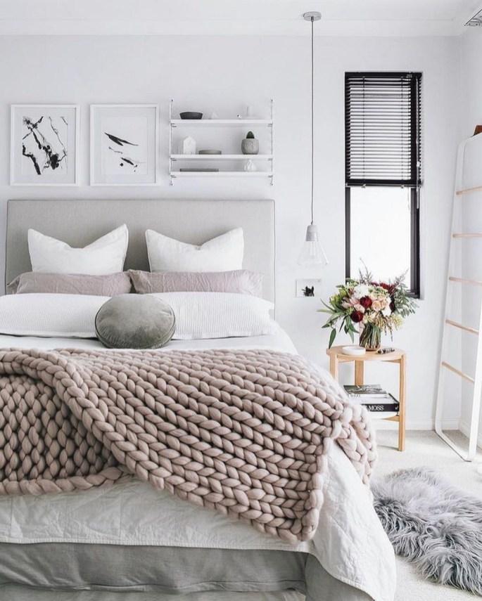 Perfect Winter Bedroom Decoration Ideas11