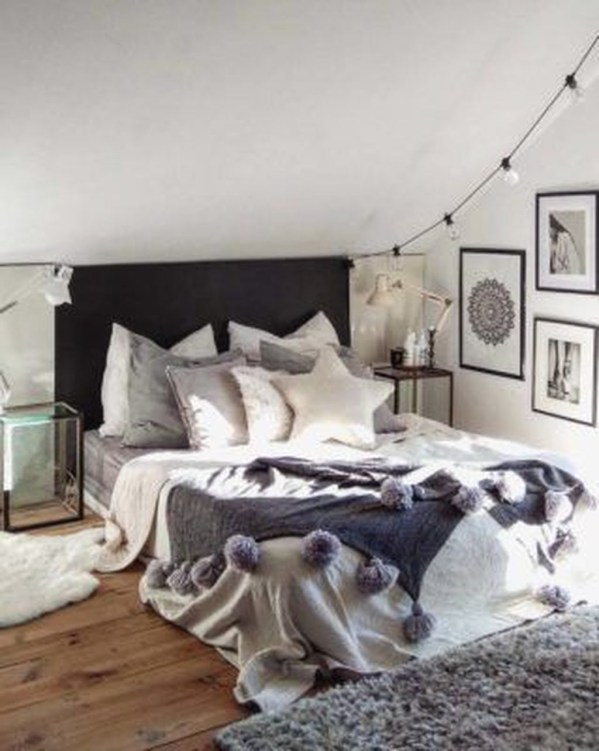 Perfect Winter Bedroom Decoration Ideas37