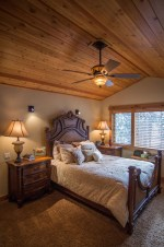 Romantic Rustic Farmhouse Bedroom Design And Decorations Ideas21