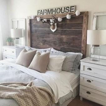 Romantic Rustic Farmhouse Bedroom Design And Decorations Ideas24