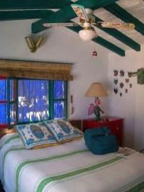 Romantic Rustic Farmhouse Bedroom Design And Decorations Ideas30