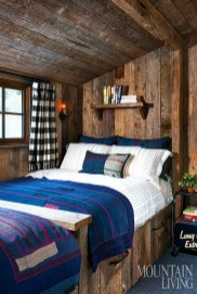 Romantic Rustic Farmhouse Bedroom Design And Decorations Ideas31