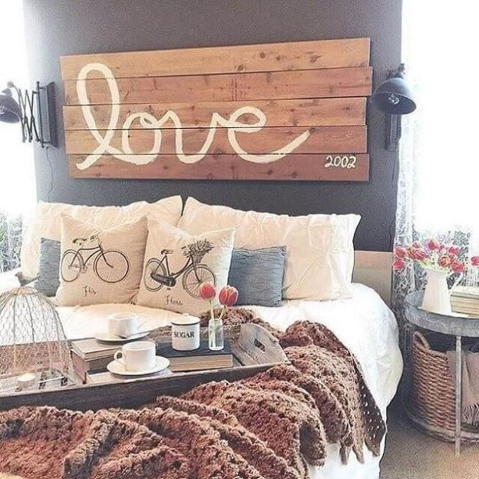 Romantic Rustic Farmhouse Bedroom Design And Decorations Ideas38