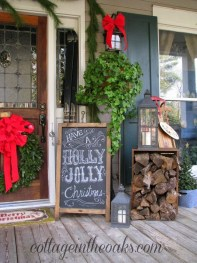 Amazing Outdoor Christmas Ideas For Porch Décor28