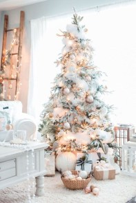 Amazing Outdoor Christmas Trees Ideas 12