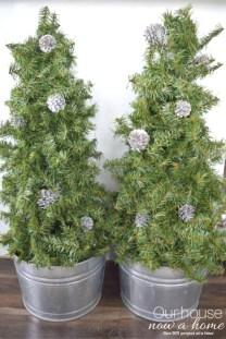 Amazing Outdoor Christmas Trees Ideas 20