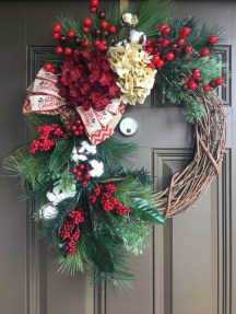 Brilliant Christmas Front Door Decor Ideas04